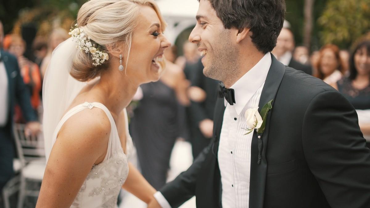 Gyerekmentes esküvő – hogyan közöljük a vendégekkel?