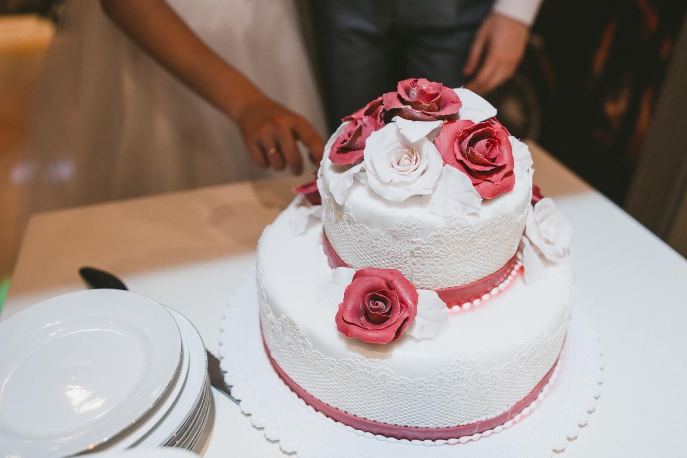 Esküvői tortaválasztás – hagyományos vagy modern legyen?